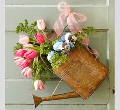 Easter is a wonderful holiday to celebrate with your loved ones. Set the tone for the holiday with fun Easter home decor. Celebrate the spring holiday by hosting an elegant brunch complete with Easter Ideas Actuales, Decor Ideas, Decoration Pictures, Party Ideas, Spring Door, Deco Floral, Floral Foam, Design Floral, Easter Wreaths