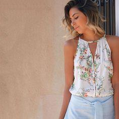 🌿🌴 Summer Essentials 🌴🌿 Já na HIT, close na escolha da Lais Rasera para aproveitar a quarta-feira de sol . 🌞 blusa floral + shorts com laço frontal. Fresh&Cool 💗 #beHIT #useHIT #ootd #summer
