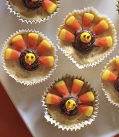Try our fun and delicious Gobble Up Peanut Butter Cups recipe. With candy corn, chocolate and whipped topping, these are an easy treat to decorate with the kids. Also the perfect dessert for Thanksgi (Chocolate Desserts For Thanksgiving) Yummy Snacks, Yummy Treats, Yummy Food, Sweet Treats, Tasty, Holiday Snacks, Holiday Recipes, Holiday Fun, Thanksgiving Desserts