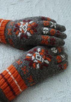 Undiin by Kristi Everst ✩ #autumn~#winter style inspiration ✩
