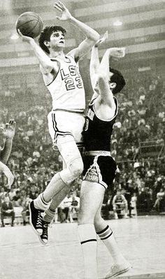 Pistol Pete Maravich is the NCAA all time scoring leader who played before there was a 3 point line. He scored 667 points in just 83 games! In his entire collegiate career he averaged points per game! Basketball Socks, College Basketball, Basketball Players, Baseball Scores, Pro Baseball, Baseball Uniforms, Football, Pistol Pete, Sport Icon
