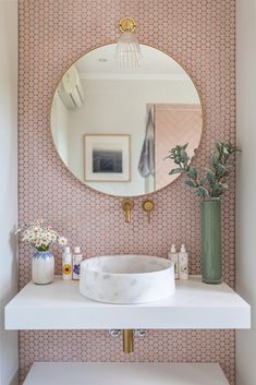 Home Design, Design Design, Design Ideas, Nordic Design, Bath Design, Scandinavian Design, Design Trends, Pink Accent Walls, Tile Accent Wall
