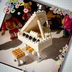 «White Grand Piano Nanoblock   #nanoblock #toyphotography»
