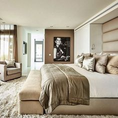 Ideas Bedroom Inspo Quartos For 2019 Beautiful Bedrooms, Bedroom Interior, Luxurious Bedrooms, House Interior, Bedroom Inspirations, Modern Bedroom, Interior Design, Luxury Interior, Bedroom Ceiling Light