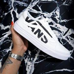"9209bdc1223f42 VANESSA D on Instagram  ""love a fresh pair of vans 🍚"""