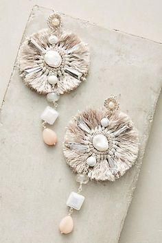 Dainty Diamond Earrings in Solid Gold / Chevron Earrings / V Stud Earrings / Delicate Diamond Studs / Graduation Gift - Fine Jewelry Ideas Fashion Earrings, Fashion Jewelry, Women Jewelry, Fashion Clothes, Bridal Earrings, Tassel Earrings, White Earrings, Stud Earrings, Bling