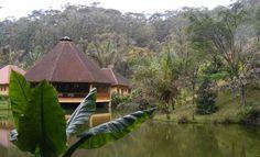 Main building on the lake, Photo of Madagascar - IgoUgo