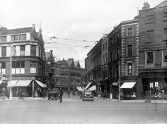 Another tasty view of the corner of Grafton Street, King Street, and St. Stephen's Green in Dublin. Ireland Pictures, Old Pictures, Old Photos, Vintage Photos, Grafton Street, Irish Culture, Ireland Homes, Photo Engraving, Dublin City