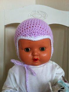 Vill börja med att skriva att dockan på bilden är för stor för mössan som egentligen är till en nyfödd. Dockans huvud mäter ca:...
