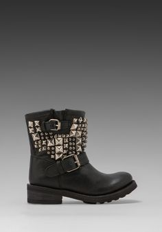These Ash Studded Combat boots would look amazing paired with black leather leggings and longs sleeved top layered with a cropped biker jacket.  LOVE.