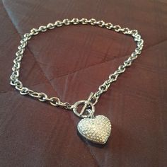 Rhinestone heart necklace Chain heart necklace beautiful and well kept.. All rhinestones intact. Make an offer :) Jewelry Necklaces