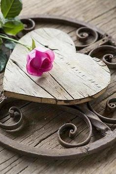 Love this although I'm not sure how to categorize it - via Ana Rosa on tumblr - wood #heart, iron scrollwork, pink rose #craft project inspiration - tå√