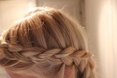 lovely inside out braid Inside Out Braid, Upside Down Braid, Hair Chalk, About Hair, Hair Dos, Pretty Hairstyles, Braided Hairstyles, Hair Inspiration, Beauty Hacks