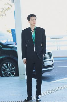 Sehun [HQ] 200115 Incheon Airport, Departing for Paris Sehun, Boyfriend Style, K Idol, Incheon, Airport Style, Rapper, Beautiful People, Suit Jacket, Handsome
