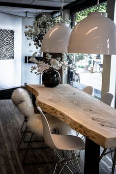 Boomstamtafels voor binnen: moderne Eetkamer door Woodlovesyou&more