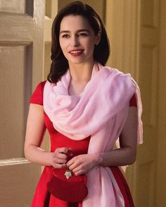 """""""@emilia_clarke as 'Louisa Clark' in her upcoming movie 'Me Before You', what a babe. ♥️ #mebeforeyou"""""""