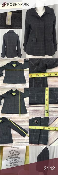 💌10 Jack Rogers Plaid Blazer Button Front Jacket Measurements are in photos. Normal wash wear, no flaws. E1/20  **green top underneath is NOT included, only used to show the jacket open.   I do not comment to my buyers after purchases, due to their privacy. If you would like any reassurance after your purchase that I did receive your order, please feel free to comment on the listing and I will promptly respond.   I ship everyday and I always package safely. Thank you for shopping my closet…