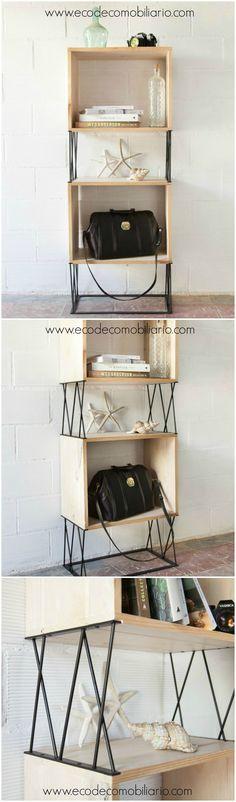 Estantería de estructura metálica con cajas hechas con madera reciclada. Disponible en www.ecodecomobiliario.com