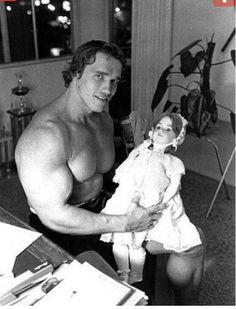 Arnold- Bulging biceps
