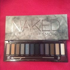 Urban decay smoky palette Brand new. Authentic , in a original box Makeup Eyeshadow