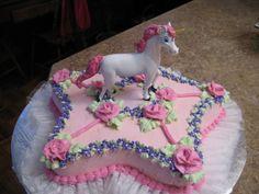 EM'S UNICORN CAKE