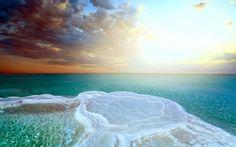 イスラエル 死海(Dead sea)は、地球で一番海抜の低い場所にある湖とされている。