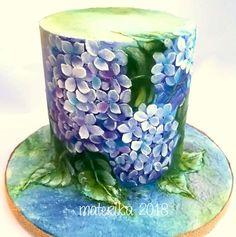 Claudia Prati - Hydrangea Palette Painted Cake - February 2019 - My WordPress Website Buttercream Flowers, Buttercream Cake, Pretty Cakes, Beautiful Cakes, Amazing Cakes, Cupcake Cakes, Cupcakes, Hand Painted Cakes, Glass Cakes