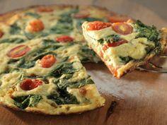 Házi, Mini, Paradicsomos Pizza Kolbásszal És Sajttal: a Tészta Olasz Recept Szerint Készül