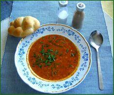 Vločky si na chvíli namočíme do studené vody, scedíme a necháme okapat.Na oleji si orestujeme nakrájenou cibuli, přidáme vločky, které necháme… Curry, Soup, Ethnic Recipes, Curries, Soups