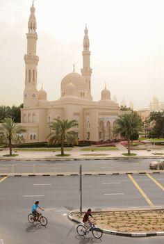 Dubai, Yhdistyneet Arabiemiraatit, Yhdistyneet Arabiemiirikunnat, kaupunkiloma, kaupunkimatka, matka, matkavinkit, metropoli, suurkaupunki, moskeija, Jumeirah mosque