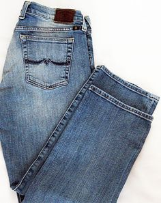 Lucky Brand Sweet N Low Crop Jeans Capris Cumberland Light Wash Size 6 / 28 NWOT Never Worn! MSRP $79.50 Free Priority Shipping Included!