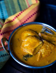 Amaze your family with your culinary skills when you serve them this tangy and flavorful Mangalorean Fish curry or as it's locally called, 'Meen Gassi'. Veg Recipes, Curry Recipes, Seafood Recipes, Dinner Recipes, Prawn Recipes, Vegetarian Recipes, Chicken Recipes, Cooker Recipes, Dinner Ideas