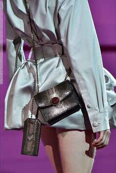 Marc Jacobs (Spring-Summer 2015) R-T-W collection at New York Fashion Week (Details)  #MarcJacobs #NewYork See full set - http://celebsvenue.com/marc-jacobs-spring-summer-2015-r-t-w-collection-at-new-york-fashion-week-details/