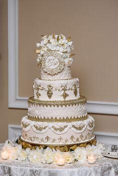 White And Gold Wedding Cake, Elegant Wedding Cakes, White Gold, Royal Wedding Themes, Royal Wedding Cakes, Wedding Anniversary Invitations, Anniversary Cakes, Anniversary Ideas, Castle Wedding Cake