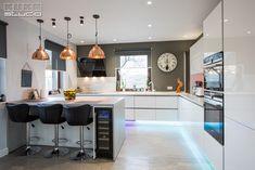 Kitchen Design, Design Inspiration, Chinchillas, Table, Studio, Furniture, Home Decor, Hip Bones, Cuisine Design