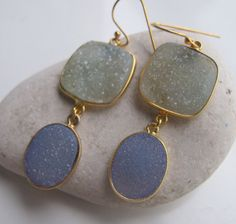 Sparkly Druzy Earring is a gorgeous color palette by Belesas! Contact us info@belesas to create your dream earring!