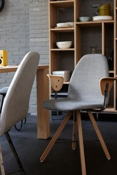 Home - Het Kabinet Dining Chairs, Cool Stuff, Furniture, Home Decor, Decoration Home, Room Decor, Dining Chair, Home Furnishings, Arredamento