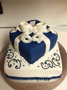 1000 Ideas About Male Birthday Cakes On Pinterest