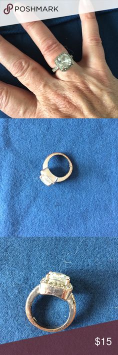 Reduced! Lia Sophia ring! So lovely!   Slight discoloration on back of band (pictured) Lia Sophia Jewelry Rings