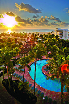 Miami Design District will give you the list of the coolest Beach Resorts in Florida. - See more at: http://miamidesigndistrict.eu/miami-tours/coolest-beach-resorts-in-florida/#sthash.aayOfbpV.dpuf