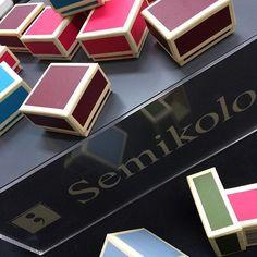 "Love this mini boxes ""with edge"" #semikolon #boxes #box #love #ludorn #paper #15colorstochoosefrom"
