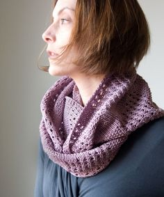 Free Knitting Pattern: Canaletto Cowl | Tricksy Knitter by Megan Goodacre