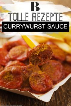 For those who love it hearty. This is the ideal recipe for the Mardi Gras & Carnival: The currywurst sauce is quickly made and sooooo delicious! Chicken Sauce Recipes, Hamburger Meat Recipes, Sausage Recipes, Crockpot Recipes, Healthy Juice Recipes, Healthy Juices, Healthy Chicken Recipes, Curry Ketchup, Recetas Whole30