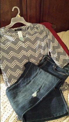 https://www.stitchfix.com/referral/3590654 Stitch Fix - LOVE! Pics like the top and the jeans