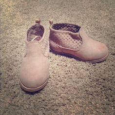 """Selling this """"Toddler girl booties"""" in my Poshmark closet! My username is: whitz98. #shopmycloset #poshmark #fashion #shopping #style #forsale #Shoes"""
