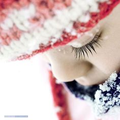 Snow photography best shoot and pose ideas 23 - Creative Maxx Ideas Snow Photography, Children Photography, Family Photography, Photography Ideas, Infant Photography, Emotional Photography, Creative Photography, Amazing Photography, Winter Fun