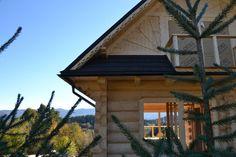 Dom z bali Za lasem w budowie