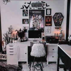 Room Ideas Bedroom, Bedroom Decor, Horror Room, Grunge Bedroom, Goth Bedroom, Halloween Room Decor, Gothic Room, Gothic House, Goth Home Decor