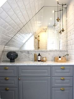 Intellectual summarized simple Bathroom Renovation my response Narrow Bathroom, Attic Bathroom, Budget Bathroom, Bathroom Renovations, Bathroom Interior, Bathroom Ideas, Bathroom Design Layout, Modern Bathroom Design, Bad Inspiration
