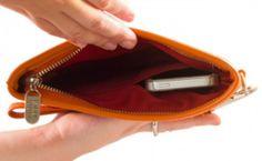 Everpurse is een handtas met ingebouwde oplader voor je smartphone #Handig